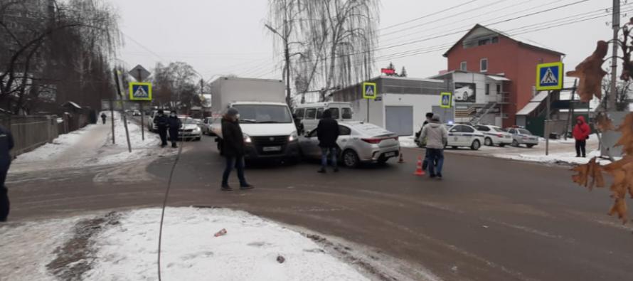 Рязанский таксист на Kia Rio погиб после столкновения с «ГАЗелью»