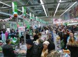 Жители Рязани жалуются на очереди в торговых центрах и переполненные парковки