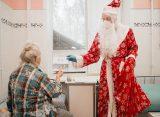 Дед Мороз поздравил пациентов больниц Рязанской области с Новым годом