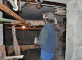 Ну улице Пушкина в Рязани прорвало трубу и затопило подвал