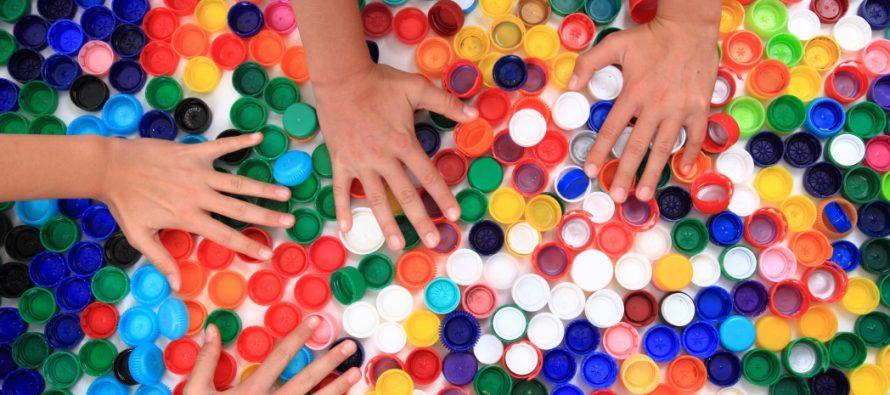 Эра предлагает рязанцам сдавать пластиковые крышки, чтобы помочь детям