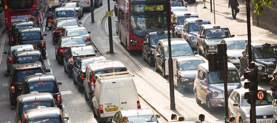 Британским автолюбителям заплатят по 4 тысячи долларов за отказ от старых машин