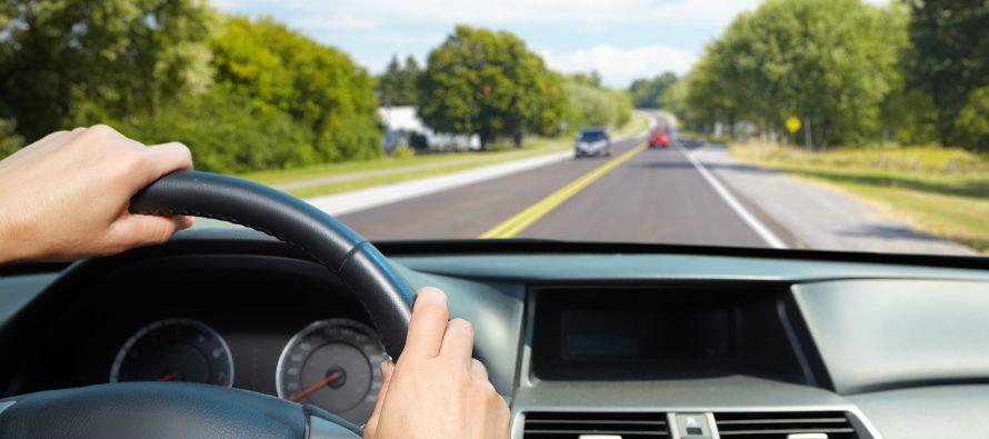 Молодые водители не способны сосредоточиться на вождении авто без музыки
