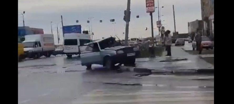 Вполиции рассказали оДТП наСолотчинском шоссе с участием ВАЗ-2109