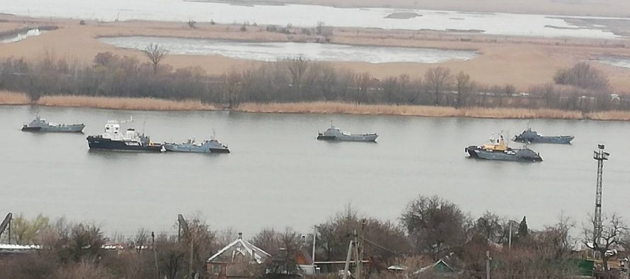 Российские корабли выстроились в боевой порядок у границ Украины