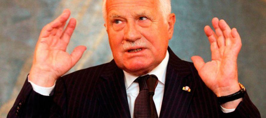 Бывший президент Чехии назвал скандал с Россией «возвращением в 50-е годы прошлого века»