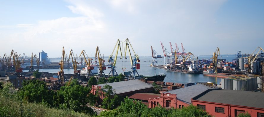 Российские корабли блокируют украинские порты на Азовском море