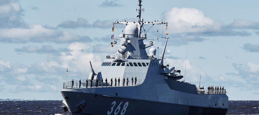 Российский корвет «Павел Державин» несколько часов не выпускал корабли из украинских портов