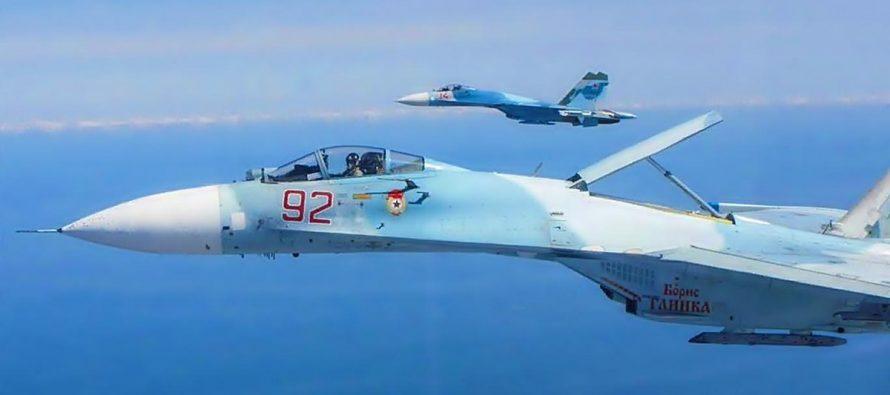 Истребители ВКС РФ Су-35 и Су-27 напугали итальянские F-35 над Балтийским морем