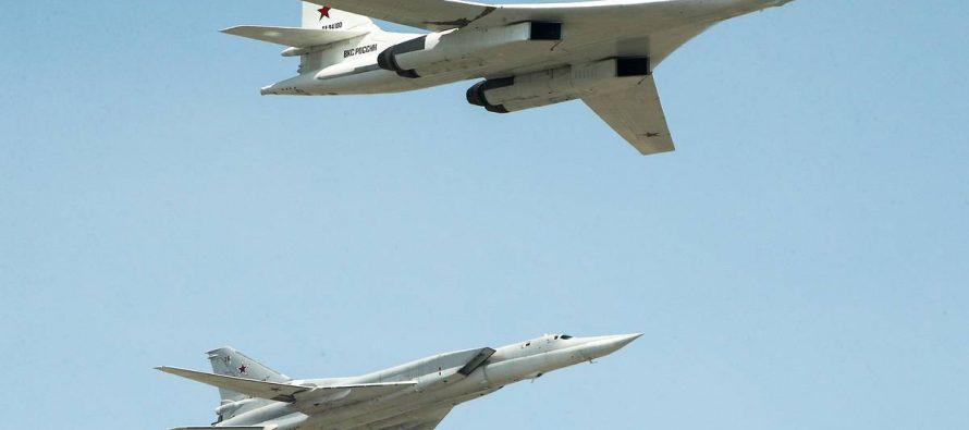 Два ракетоносца Ту-160 отработали атаку на норвежские ПВО