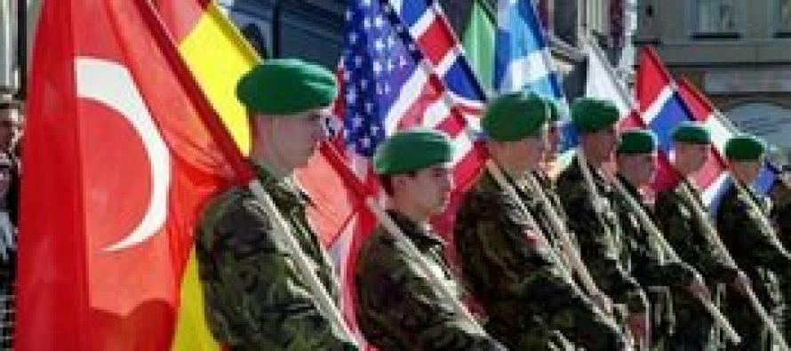 Военные эксперты рассказали, зачем НАТО «бряцает оружием» у границ РФ