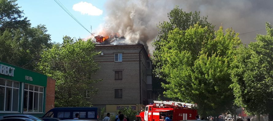 При пожаре в пятиэтажке в Рязани пришлось эвакуировать 5 человек