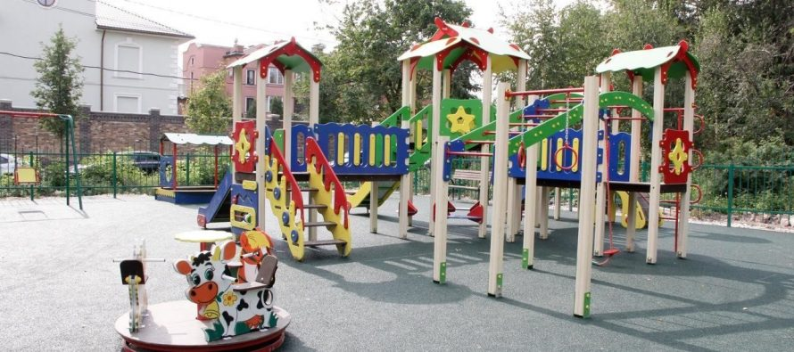 В Рязани началась тотальная проверка детских площадок по поручению губернатора
