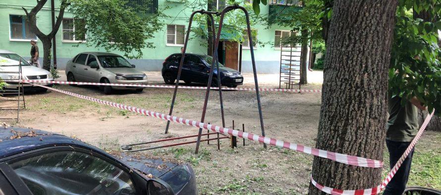 В рязанском парке развлечений 10-летняя девочка пострадала из-за обрыва качелей
