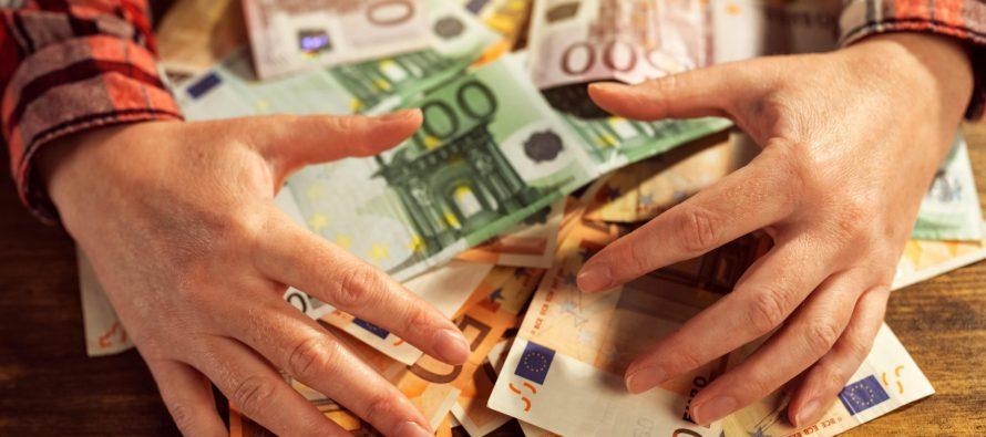 Рязанец выиграл 700 тысяч рублей в лотерею по подаренному билету