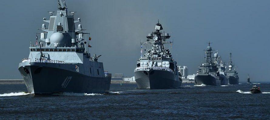 Корабль ВМФ РФ перехватил в Азовском море украинский катер самериканским репортером