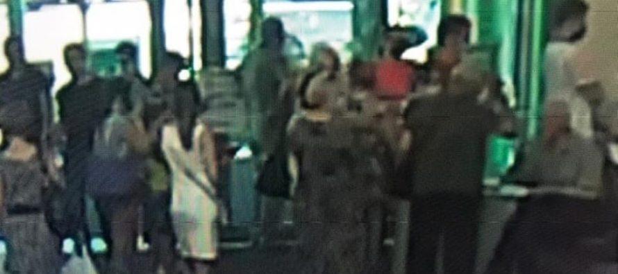 В одном из торговых центров Рязани выстроилась огромная очередь на вакцинацию от коронавируса