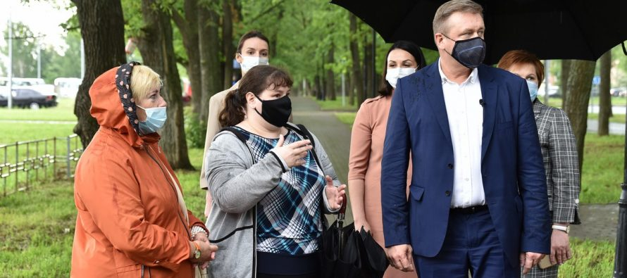 Любимов посетил Дашково-Песочню и встретился с активистами микрорайона
