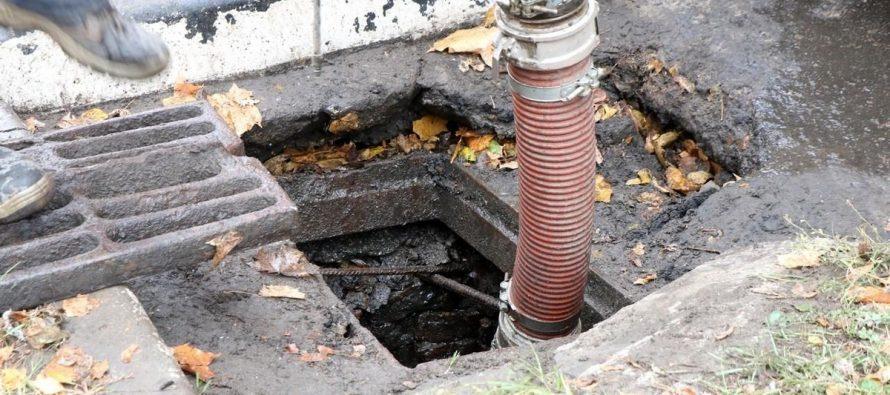 Заммэра Рязани рассказал о причинах плохой работы ливневой канализации