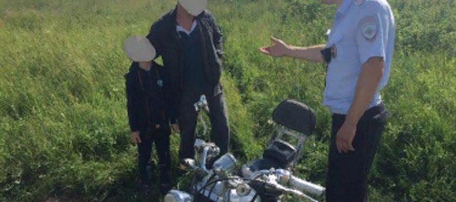 В Рязани полицейские задержали пьяного мотоциклиста, который вез ребенка