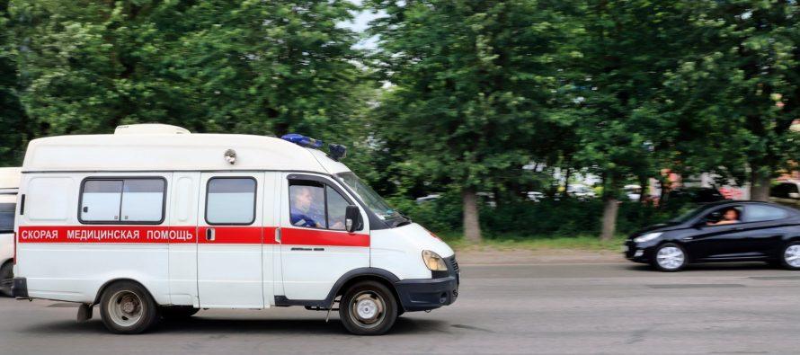 В Сапожке фельдшер «Скорой помощи» изрубила машину топором и вывихнула пальцы полицейскому
