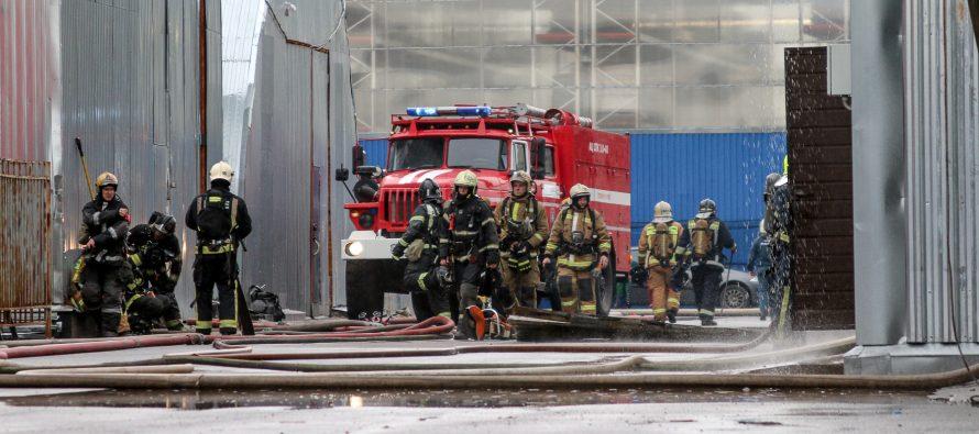 На пожар в ТЦ «Лань» выезжало шесть пожарных расчетов