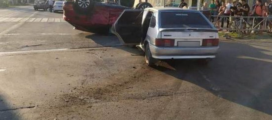 В Михайлове при столкновении ВАЗ-2114 и Lexus RX300 пострадали оба водителя