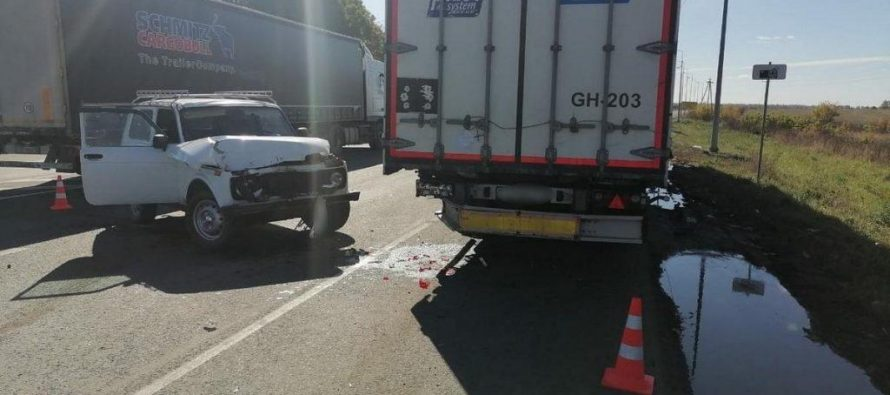 Пассажирка автомобиля Niva оказалась в больнице после столкновения с фурой в Шацком районе